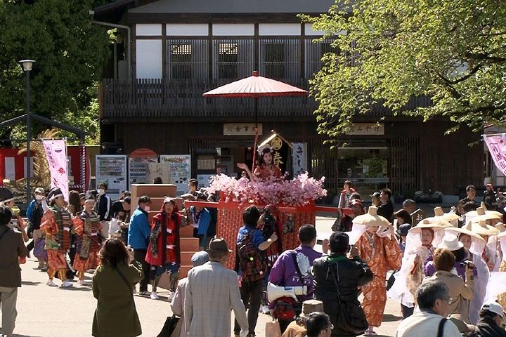 名古屋城入城