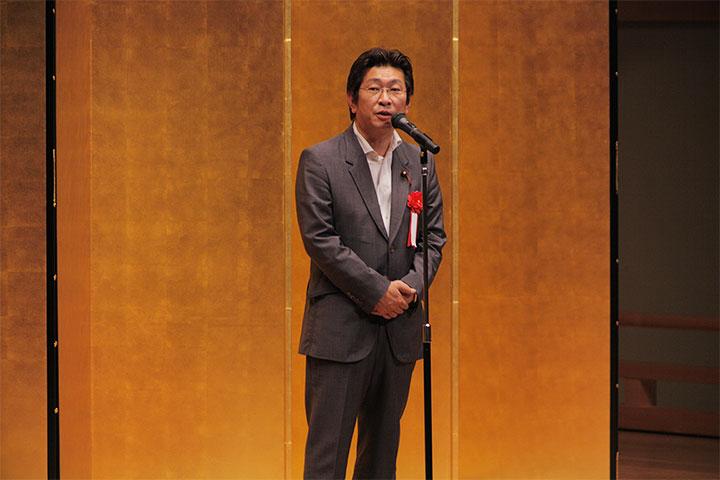 来賓祝辞を述べる藤田和秀名古屋市会議長