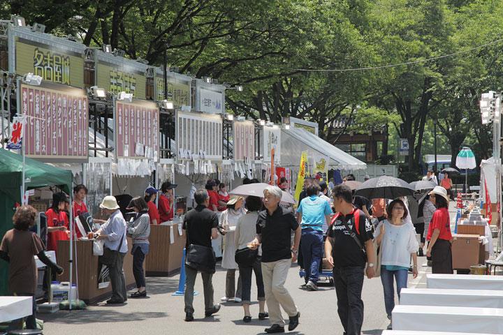 まるはち博覧祭東門会場の賑わい