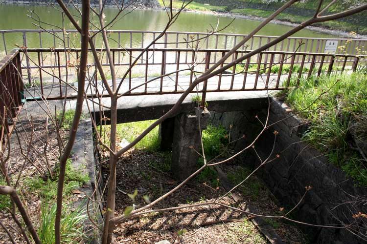 名古屋城の堀の水は、辰之口水道大樋を通り堀川に流れていた。