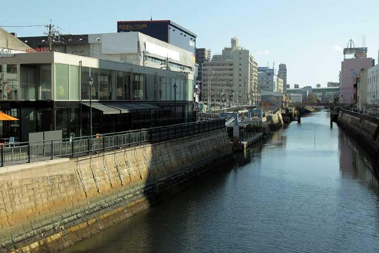 江戸時代、納屋橋南左岸に尾張藩の米蔵があった。