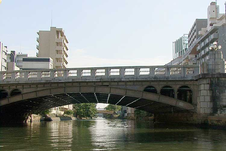 岩井橋-大正期の鋼アーチ橋