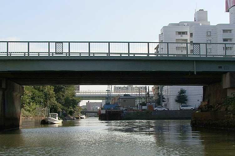 松重閘門-堀川と中川運河とを結ぶため建設された。