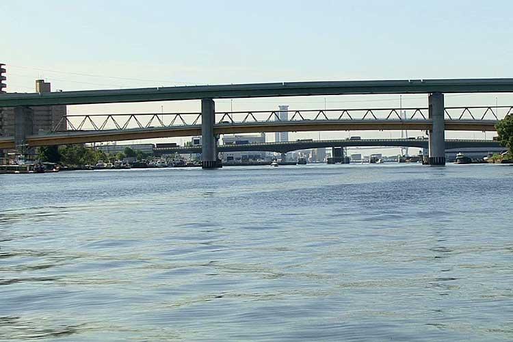 名古屋高速4号東海線、きらく橋。