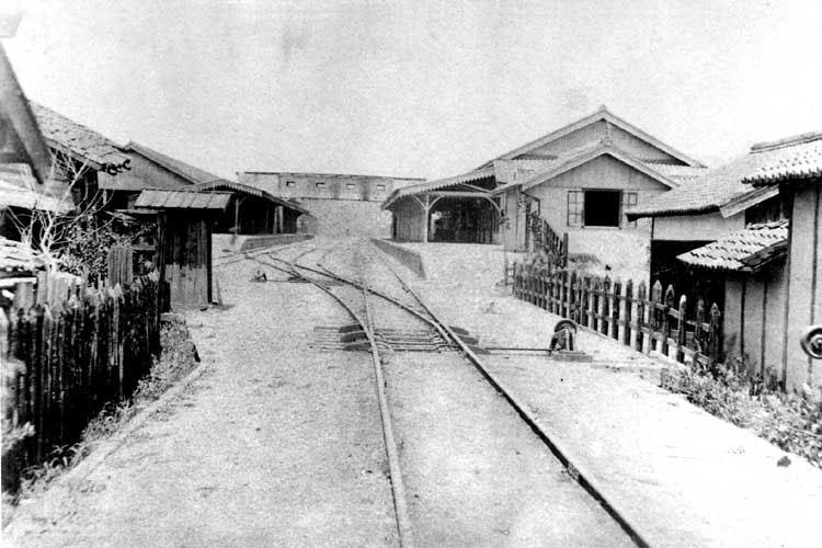明治19年(1887)開設当時の名古屋駅ホーム