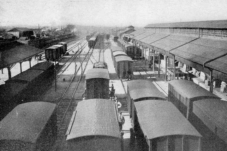 大正時代(1912-1926)中頃の名古屋駅前構内