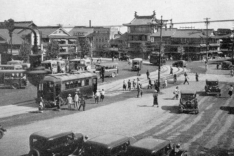 昭和8年(1933)頃の名古屋駅前広小路