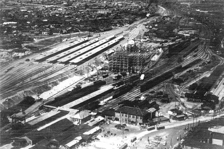 昭和11年(1936)頃の旧駅(笹島)と新駅
