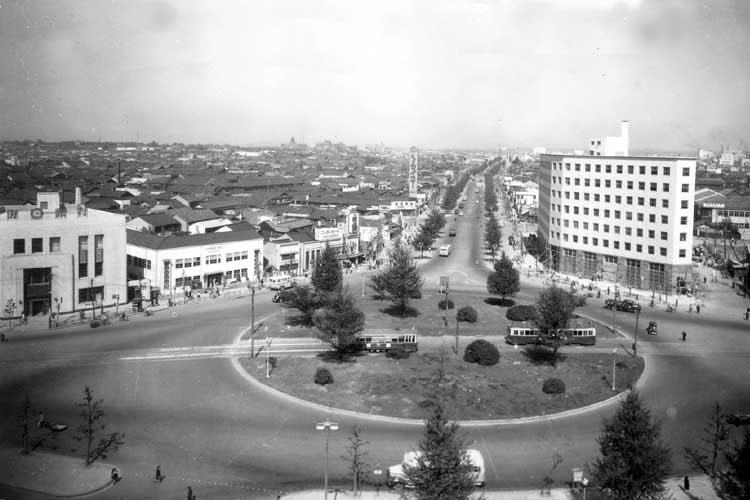 昭和20年代中頃の名古屋駅前桜通