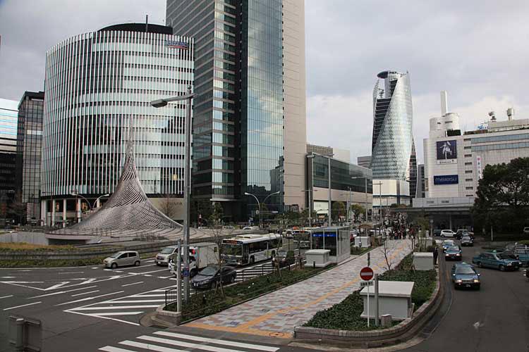 現在の名古屋駅前(2012年)南東方向