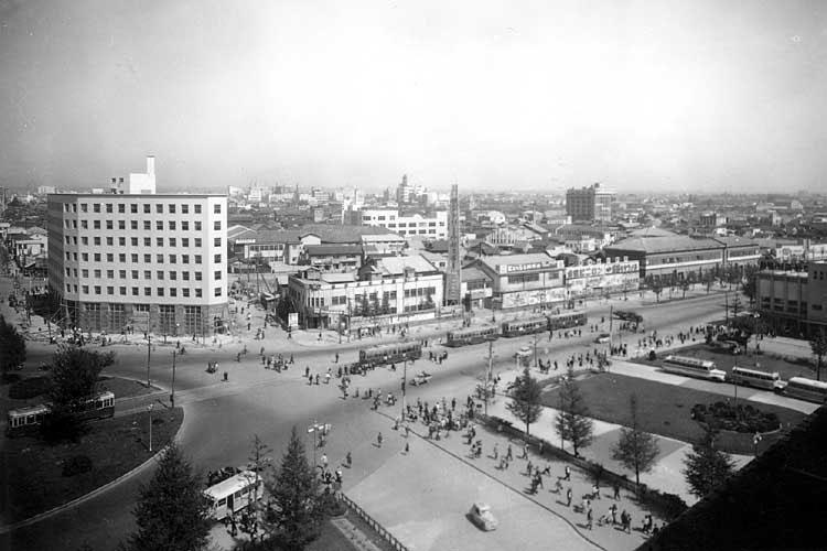 昭和20年代中頃の名古屋駅前南東方向