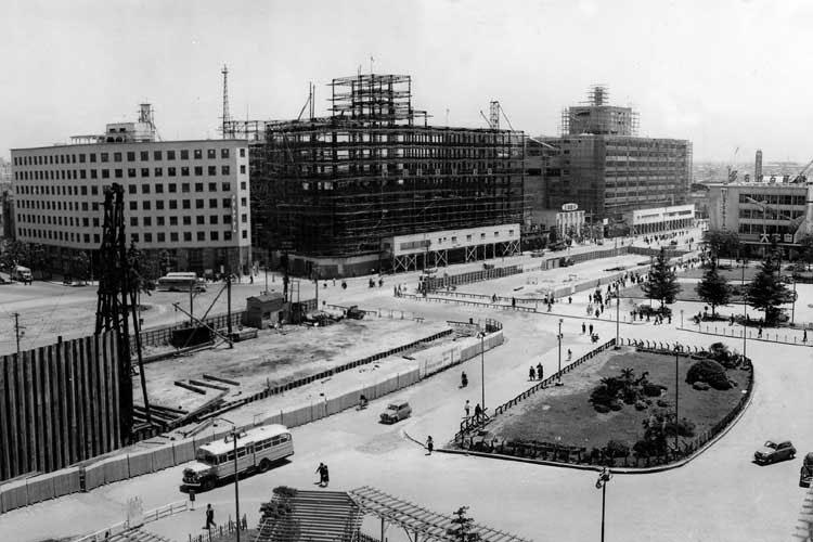 名駅前の地下鉄工事(1956年頃)