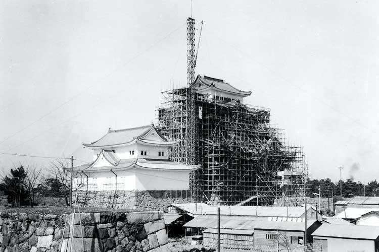 再建工事中の名古屋城