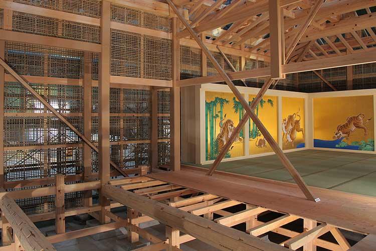 2010年10月、本丸御殿玄関復元過程特別公開