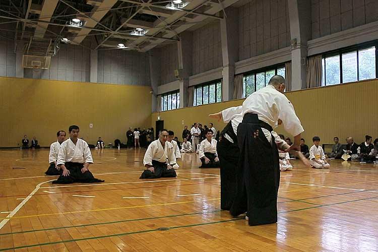 雨脚が強くなり会場を愛知県体育館第2競技場に変更開催