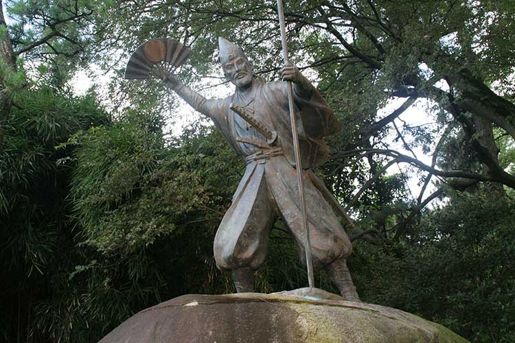 加藤清正公石曳きの像