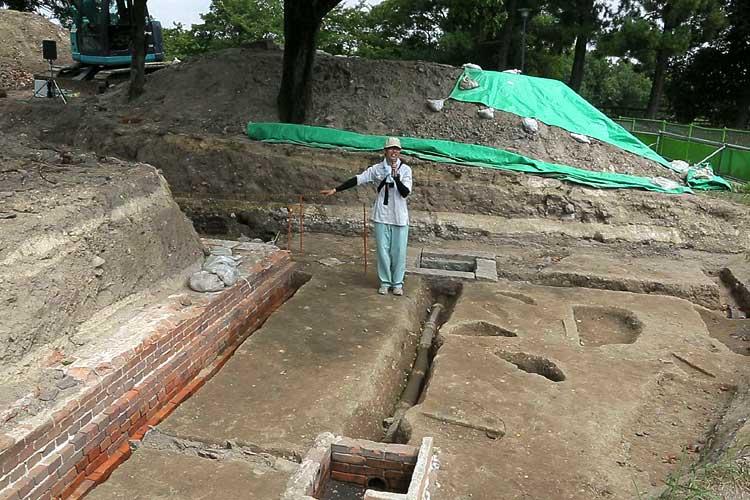 陸軍兵舎跡東側の発掘調査