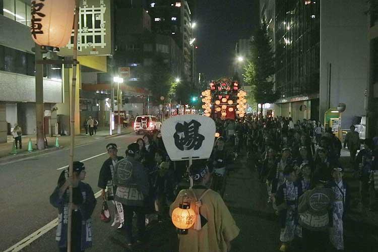 筒井町湯取車(本町通)
