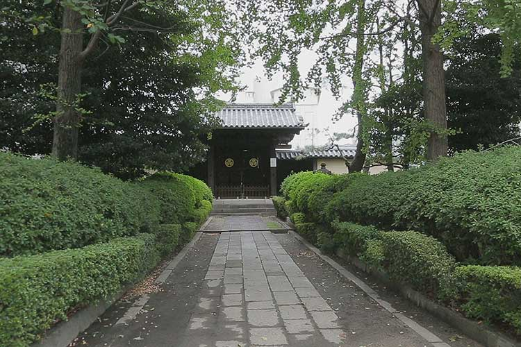 尾張徳川家二代徳川光友公墓所