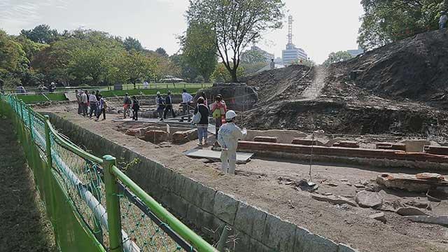 名勝二之丸庭園発掘調査現場 2014年10月24・25日