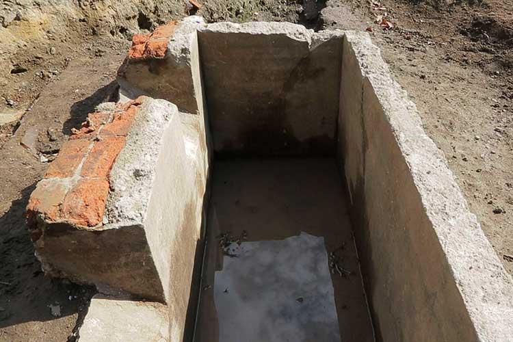 陸軍兵舎トイレ跡