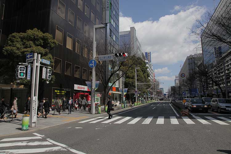 広小路(西側から撮影)