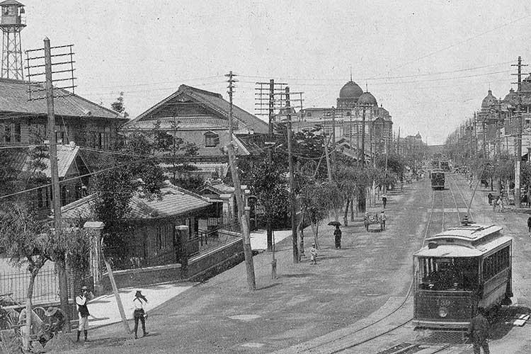 市役所前の広小路