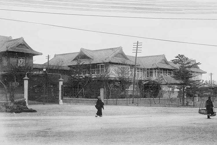 愛知県庁と議事堂