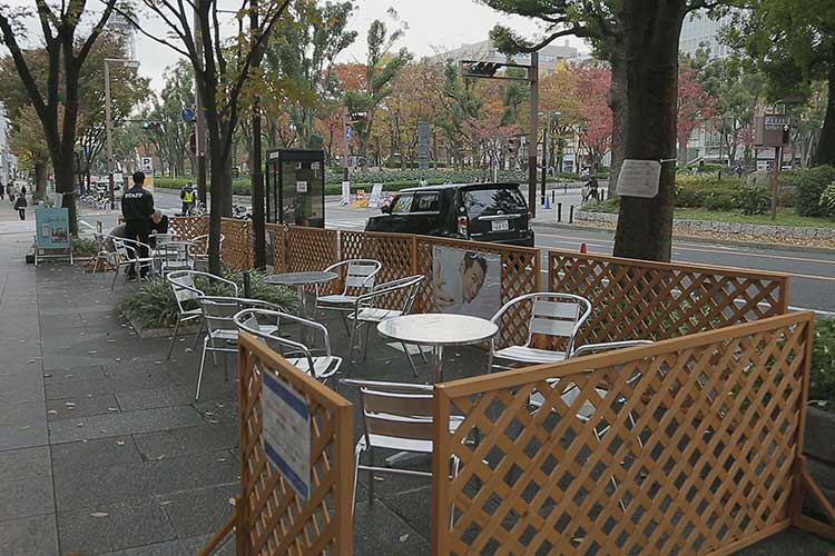 オープンカフェ