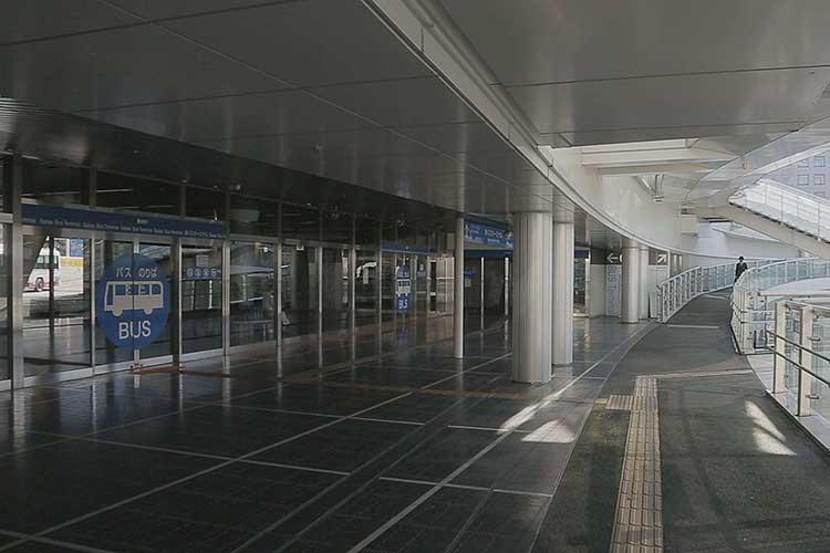 地上バスターミナル