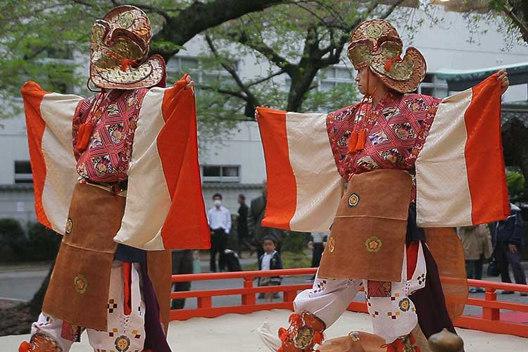 舞楽 甘州(かんしゅう)