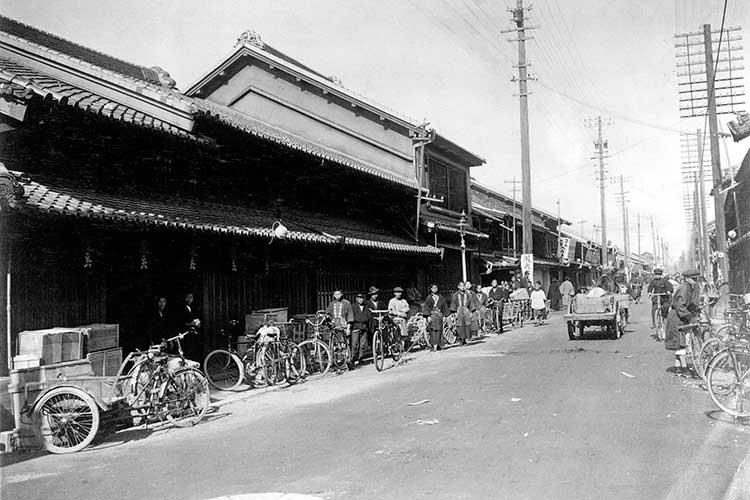 桜通完成前の瀧兵商店