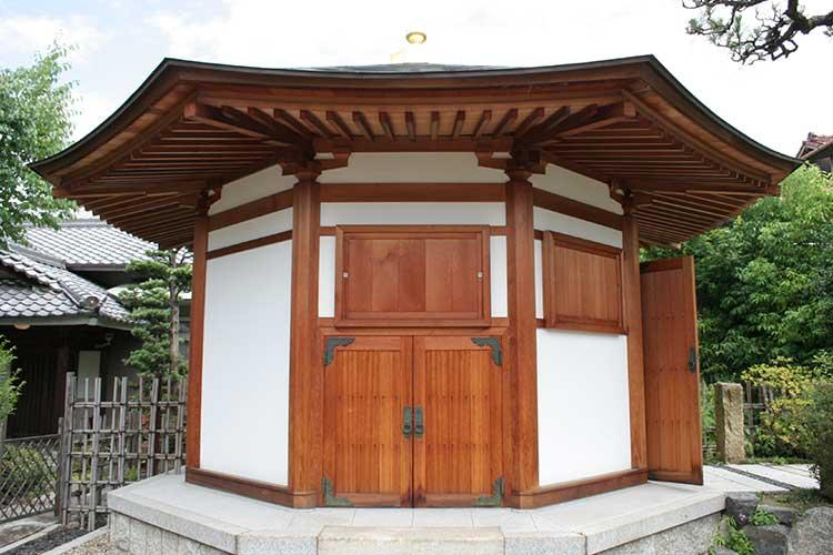 法蔵寺八角堂