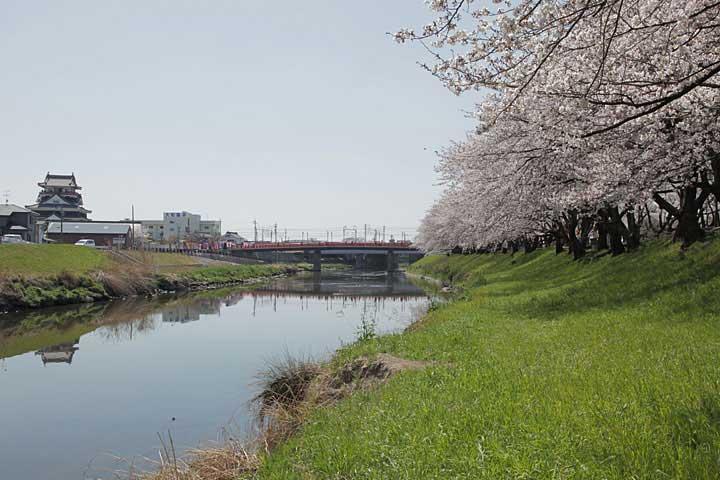 五条川と清須城