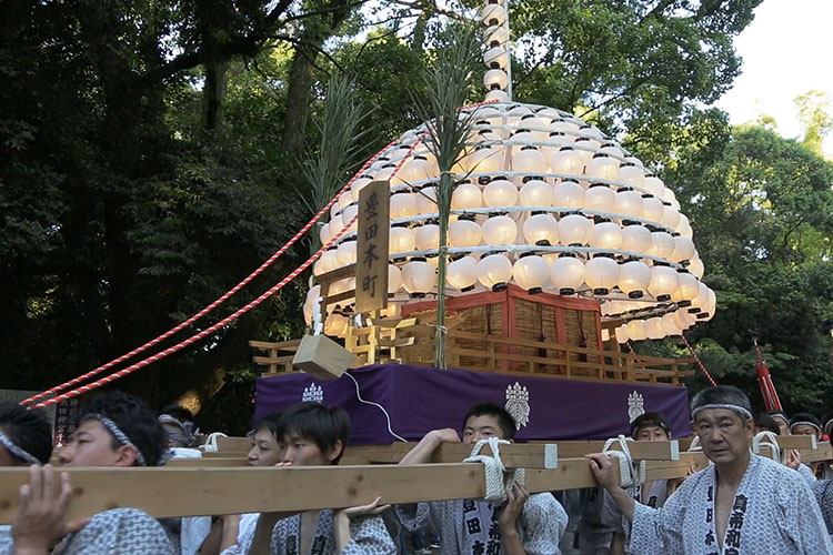 Makiwara floats parade