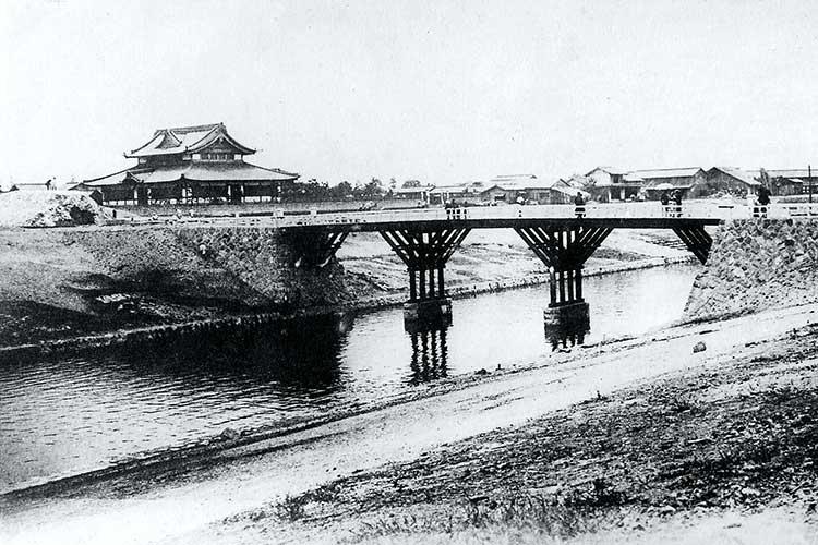 ⑧新堀川と武徳殿