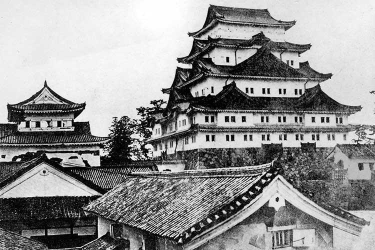 ①金シャチのない名古屋城