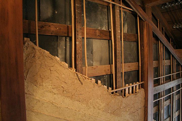 壁内部の展示