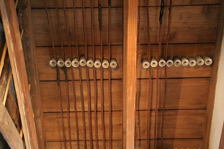 天井の配線