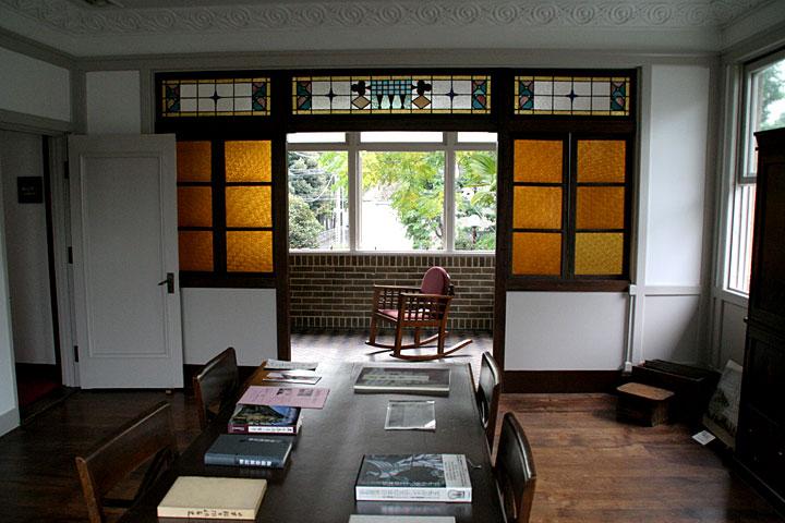 洋間(2階)
