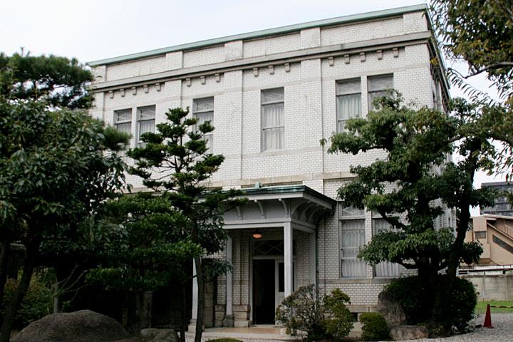 豊田佐助邸洋館入口