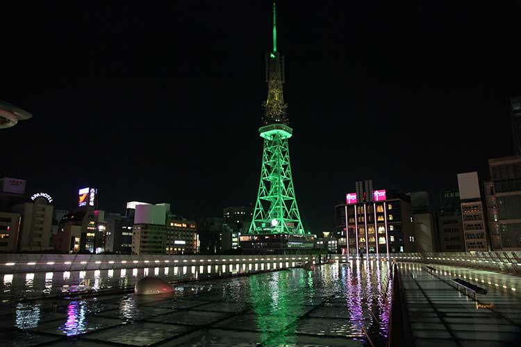 オアシス21とテレビ搭(名古屋開府400年祭アカリナイト開催時撮影)