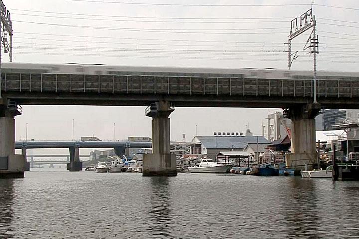 東海道新幹線 後方 東海通