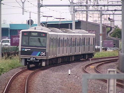 中島駅へ向かう