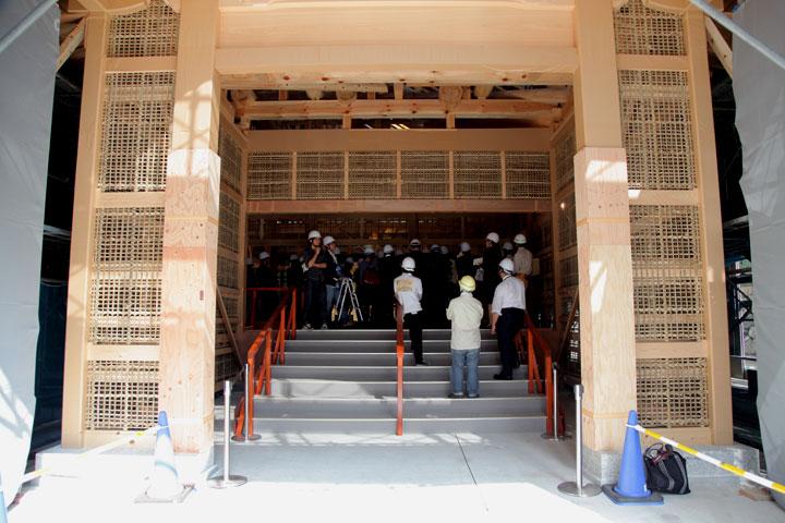 復元中の本丸御殿 玄関