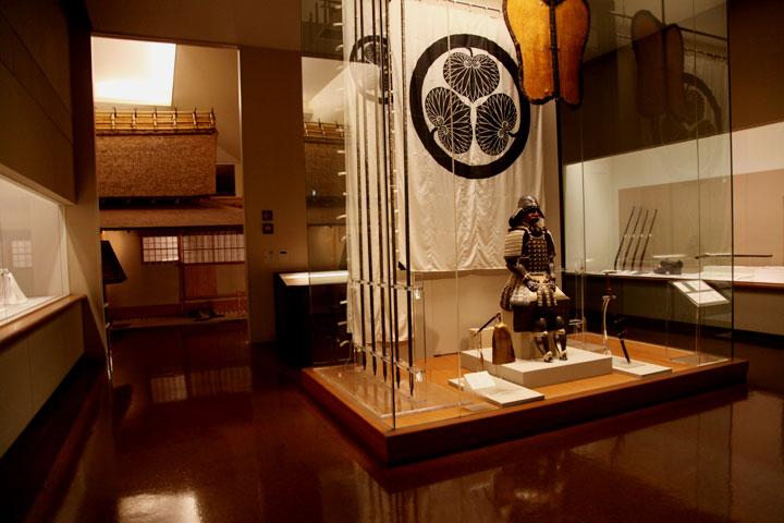 第一展示室(新館) 武家のシンボルー武具・刀剣