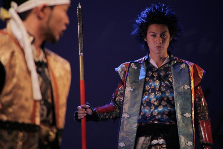 前田利家(左)、前田慶次(右)