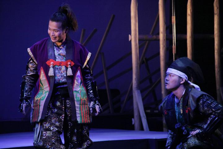 豊臣秀吉(左)、加藤清正(右)