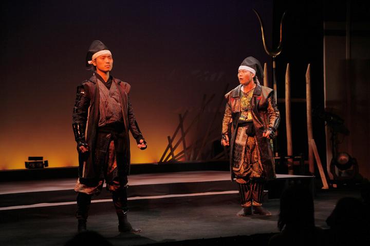 徳川家康(左)、加藤清正(右)