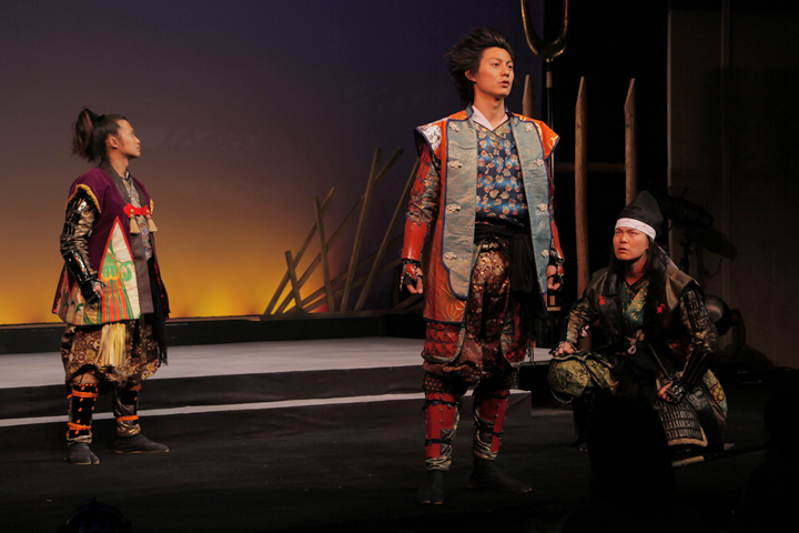 左から豊臣秀吉、前田慶次、加藤清正